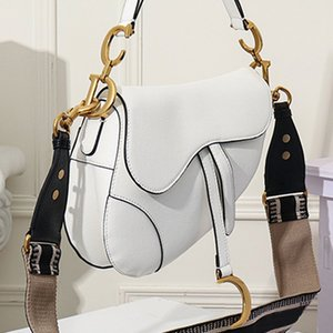 Alta qualidade Moda Bolsas alforje Vintage Bags Bolsa de Ombro Classic Mensageiro Parágrafo Rivet Broadband Saddle Bag 25.5x20x6.5cm Type1