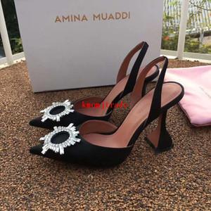 Talones mujer sandalias Italia Amina Muaddi Negro satinado Begum Sling Amina Begum Muaddi broche del cristal de talón abierto bombea los zapatos negros