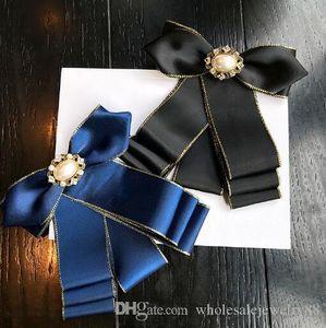 Preppy chic Styles cravate bowknot Tissu en soie à la main Broche arc corsage de perles de cristal Broche broches pour femmes Robe chemise Accessoires