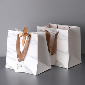 Simple White Hand-held Kraft Paper Bag for Packaging Clothing Gifts Bags Books and Gifts Packing Decoration Bags