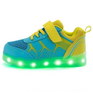 zapatos deportivos LED flash USB de los nuevos niños zapatos casuales de tres colores de malla transpirable resistente al desgaste vuelo tejida con Xie
