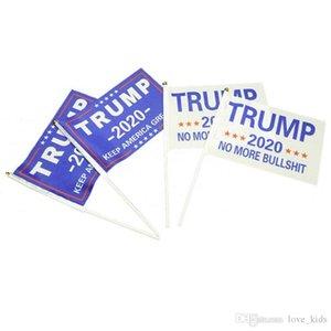 2020 14 * 21 cm banderas Donald Trump Presidente pequeña bandera de la mano de triunfo electoral sostuvo el estandarte palillo de mantener a Estados Unidos grandes para la decoración del hogar