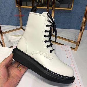 Nuovo cuoio di inverno delle donne breve caviglia Fashion Boots fondo spesso Lace Up Stivali 111701