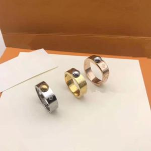 2020 Anneaux design en acier inoxydable luxe plaqué or 18k amateurs anneaux Hommes Femmes Bague plaqué or rose bijoux bague L (pas de boîte)