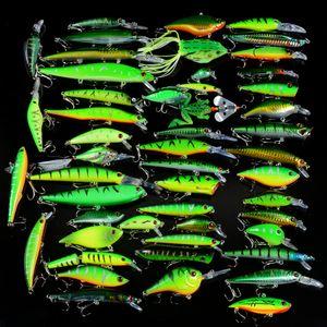 New 50pcs / Set Angelköder Mixed 50 Varisized Elritze Crank Vib Popper Köder und Gummi weicher Bass Spinnerbait Löffel Fisch Tackle