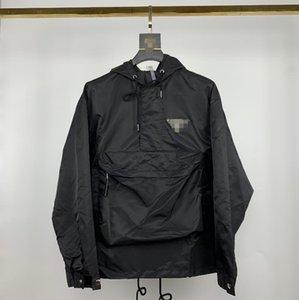 Nuovo progettista Giacche Autunno Felpe Giacche a vento Mens Outdoor Sport Giacca marca cappotti rappezzatura di modo Jacket M-2XL AE1 20072403D