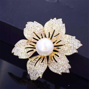Luxury Zircon Rhinestone Flower Brooch Pin Vintage Crystal Pearl Pins and Brooches for Women Accessories Christmas Jewelry