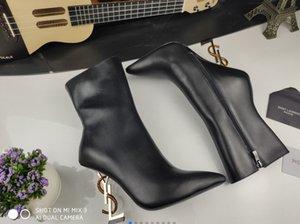 botas 2020New Chegada France famoso luxo botas curtas de moda feminina de metal couro genuíno alfabeto suporte 11 centímetros de salto sexy de salto alto moda