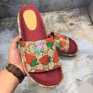 xshfbcl 2019 new style Women 573018 slide sandal Classic fashion progettista Ladies Red strawberry colored flip flops Popular top quality