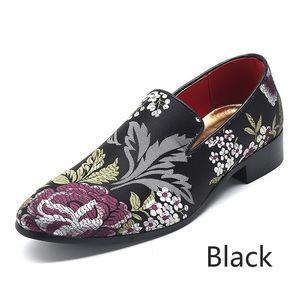 Zeguuer Marca Plus-size Homens Floral Bordados Pano sapatos da moda Casual Masculino Loafers Deslizamento-na Luz Lazer sapatos