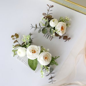 Handmade Greenery Headwear Bride Head Piece Flower and Leaf Hair Comb for Wedding Ceremony