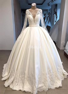 Ball Gowns Long Sleeves Wedding Dresses Plus Size Lace Appliques Pearls V-Neck Button Gorgeous Bridal Gowns Robe De Mariee