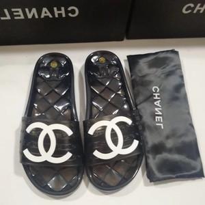 2020 señoras calificadas señoras calientes sandalias de lujo de diseño se deslizan Sanda alta calidad del envío (sin decodificador)