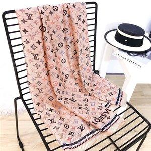 Alta Qualidade Venda quente Designer Bandas Lenço de seda Moda Headband Moda Mulheres Silk Scraves Plaid Top Grade Silk 11Scarf cabelo