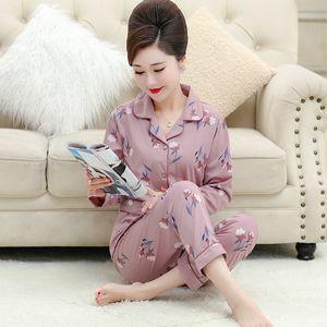 Middle Aged Mère Pyjama femmes coton'S manches longues en coton mince printemps et en automne Summer Home Wear Set