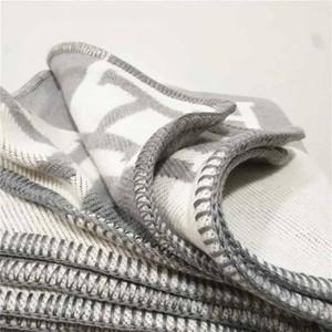 2020 Lettera H Coperte Blank Fashion KnittedSuper Morbido Flying Thread Throw Throw Wool Cashmere Blanket per adulti Coperta a plaid tinta unire