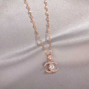 Fashion Necklace Letter Necklace Crystal Diamond Pendant Necklaces Women Pearl Necklaces Banquet Jewelry Gift