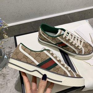 2020 quentes das mulheres dos homens Designer Tennis 1977 Sapatilha com Web verde e vermelho na forma sapatos casuais de designer instrutor de algodão de luxo para homens