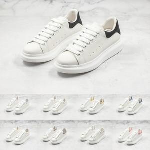 Designer Sneakers Klassische, weiße Schuhe Top Leder Männlich Weiblich Mode-Plattform-Schuhe flache beiläufige Turnschuhe für einen Mann eine Frau D0722