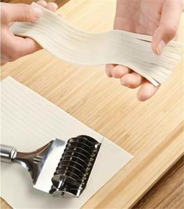 En appuyant sur la machine antidérapante poignée de cuisine Gadgets spaetzle Makers nouilles Cut Knife manuel en acier inoxydable Section Échalote Cutter DBC BH3915