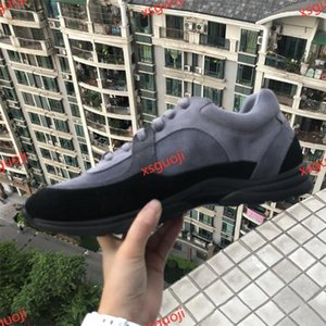 Newest Xshfbcl 2020 top quality Designer Shoes Men Women Low Cut Casual Run Away Shoes Brand Men Women Sneakers high quality Loafers shoes