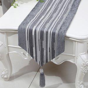 Curto Comprimento Stripe Tabela Runner High End Chenille Tecido Tea Table Cloth Moda simples refeição Mesa Mats Proteção Pads Placemat 150 x 33