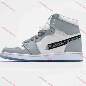 xshfbcl 2020 xshfbcl trainers shoes 1 Chicago OG Sports Shoes Mens 1S 6 rings Sneakers Bred Toe outdoor Women MID New Casual Shoes