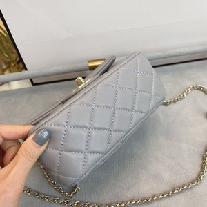 Classic lady's handbag 7A high-end custom quality handbag fashion business casual style metal accessories with long shoulder strap