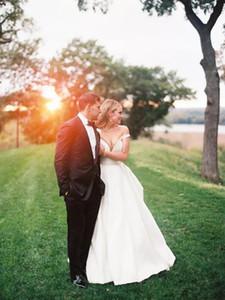 Garden Country Wedding Dresses Plus Size Off the Shoulder Satin Simple Design A Line Bridal Gowns Sweep Train Vestidos De Noiva