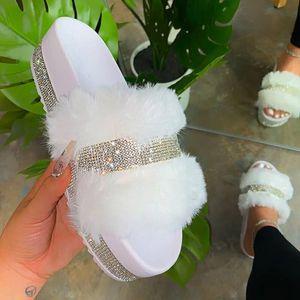 Carino Donne Pelliccia diapositive Lady Furry pantofole Bling strass Estate Sandali Infradito per l'autunno inverno Crystal Slipper Casa Casa Scarpe Sexy