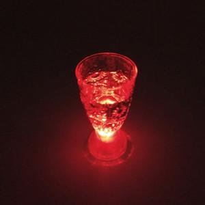 LED 샷 유리 미니 발광 플래시 라이트 다채로운 KTV 콘서트 바 특수 음료 용기 깜박임 음료 와인 컵 장식 머그잔 DH0170