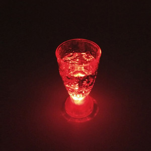 Tiro LED de vidro Mini Luminous Flash Light KTV colorido Concert Bar Copos Flashing vinho especial Beverage Cup Caneca decorativa DH0170