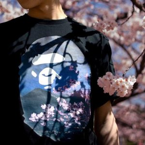 2020new European and American trend, short-sleeved T-shirt, male and female couple models, cherry blossom tree ape head under Mount Fuji