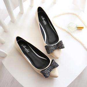 Patent Leather Flat Shoes modo delle nuove donne 2020 scarpe singolo diamante di Bowtie Taglie 40-45 Piccoli 33 signore