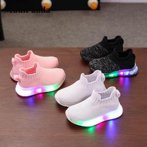 Mudipanda petit bébé Garçon Fille au LED 2020 Chaussures Automne Hiver doux et respirant pour enfants Chaussures de sport non-Slip Semelle extérieure en caoutchouc