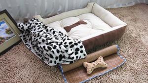 Quente Premium Luxury Pet Dog Houses Kennels Acessórios + algodão mat cobertor travesseiro macio cama Auto-Aquecimento Salão Sleeper set
