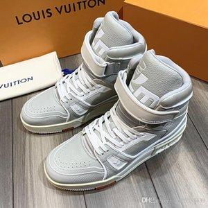 Nuovi pattini del Mens casuali di stile con la scatola 2020 scarpe di moda appartamenti Footwears formatori traspirante Disegno di inverno della caviglia di modo stivali da uomo L110 Luxur