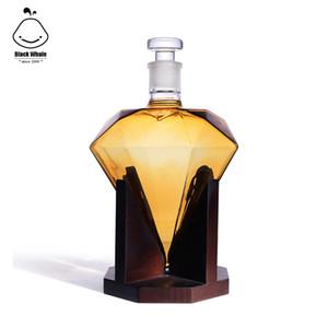 Hand Blown Diamant Whiskey Decanter: Bleifreies Glas Designer Decanters mit benutzerdefinierten Holzständer Airtight Stopper, dekorative Dachverstrebung Werkzeug f