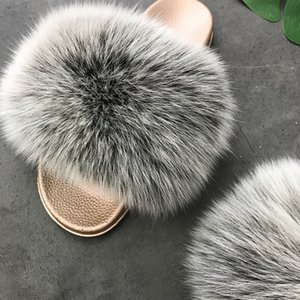 Yu Kube Qualitäts-Plüsch-Pelz realer Pelz-Hausschuhe 2020 N Damen Echt Fox Haarspangen Sommer-Schuh-Frauen Plus Size Flip Flops Y200706