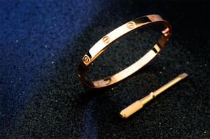 diouman447447 Factory Price High Quality Luxury Celebrity design Silver diamond Screw bracelet Fashion Letter Metal Screws bracelet With Box