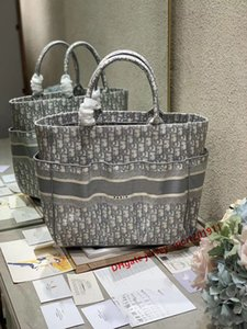 5A top quality New lady's handbag custom quality high-capacity handbag fashion trend leisure style book Tote Beach bag capacity oversized