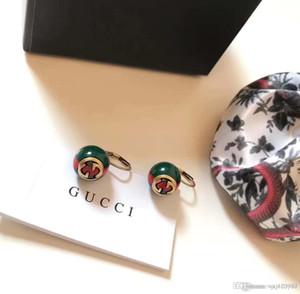 Европейские и американские моды новый стиль полоса шарик уха крюк серьги высокого класса пользовательских простые буквы серебряные иглы уха шпильки