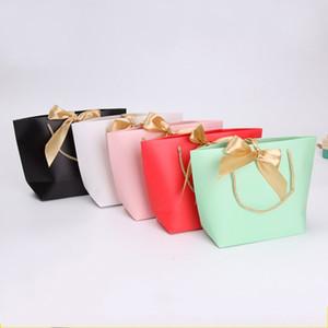 Sacs du marché commercial papier poignée d'or sac-cadeau High Grade Vêtements Sac fourre-tout Emballage coloré Joli 1 45sy E2