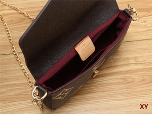 top New women's one-shoulder bag quality diagonal cross bag fashion style gold metal accessories with shoulder strap designer backpack