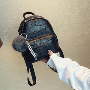 Mini Donne Pietra Zaino Leftside cuoio del modello Zaini Per Ragazze Piccolo Indietro signore pacchetto casuale Daypack Con Hairball 2020