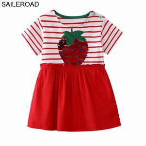 فساتين الفراولة SAILEROAD للبنات 6 سنوات التطريز 7year بنات ملابس Paillettes باس لباس جيب الصيف للطفولة