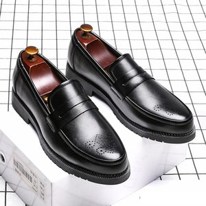2020 Men Dress Shoes Handmade Bullock Style Paty Leather Wedding Shoes Men Flats Leather Oxfords Formal Shoes CX200731