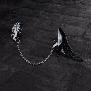 Мультфильм животных Киты космическое пространство Космонавт Брошь Черный Эмаль Pin Кнопка цепи Джинсовая куртка пальто Pins знак подарка ювелирных изделий