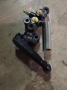 Great Wall Hover CUV Hover H3 carga del freno de detección de dosificación de la válvula de dispensación de la válvula original de CC3523110-K01-A1 6HTH #