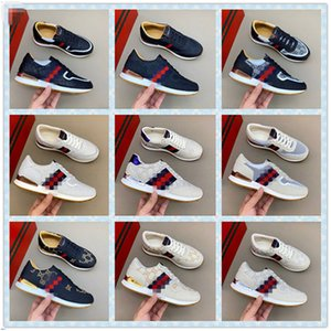 New Fashion White Red Bottom Mens Womens Designer Sneakers Low Top Casual Flat Men Designer Sneaker Outdoor Unisex Driving Shoes